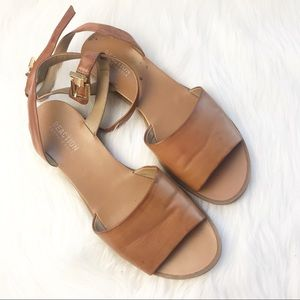 Kenneth Cole reaction tan strappy sandals 9